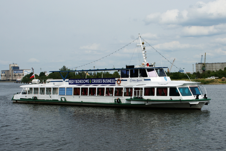Odra_Queen_and_Peene_Queen_ship_cruises_EN